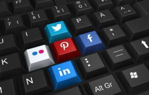 Kiedy zamieszczać posty w social media?